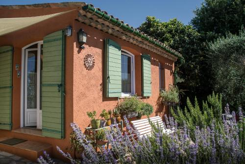 Le Clos des Oliviers : Bed and Breakfast near Opio