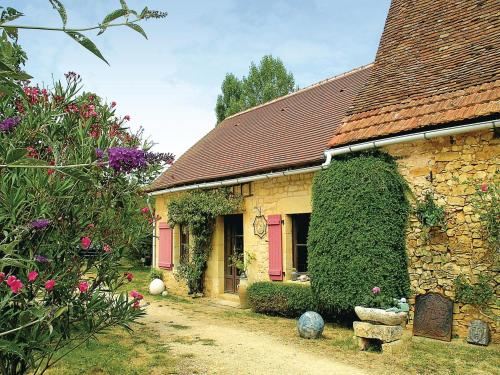 Holiday home La Fayolle O-565 : Guest accommodation near Saint-Pantaly-d'Ans