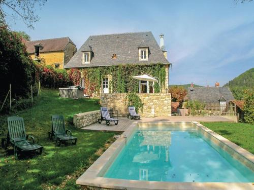 Holiday home Le Bourge H-585 : Guest accommodation near Grèzes