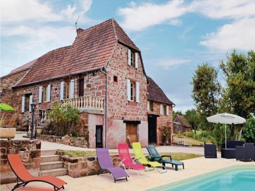 Holiday home Lieu dit Couty H-594 : Guest accommodation near Teillots