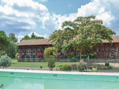 Holiday home La Courtoudou O-601 : Guest accommodation near Fraisse