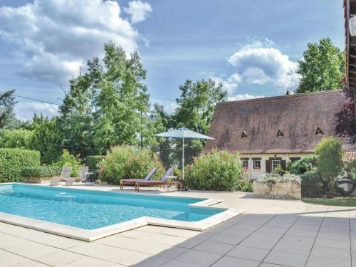 Holiday home Vélines 72 with Outdoor Swimmingpool : Guest accommodation near Saint-Avit-de-Soulège