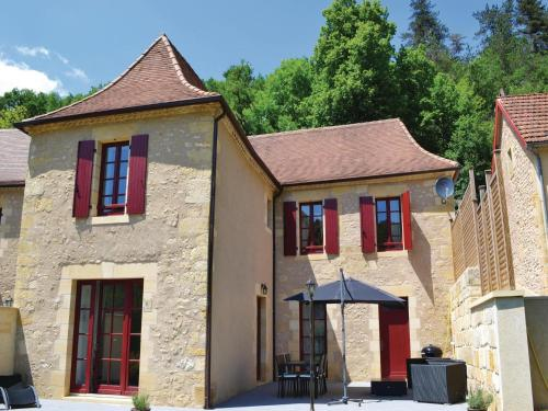 Holiday home Les Eyzies 75 with Outdoor Swimmingpool : Guest accommodation near Tursac