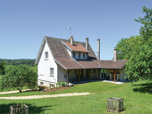 Holiday Home Les 03 : Guest accommodation near Saint-Laurent-sur-Manoire