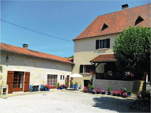 Holiday home Les Chambons K-588 : Guest accommodation near Brouchaud