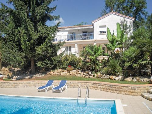 Holiday Home Savignac Les Eglises Rue Du Marchat : Guest accommodation near Sorges