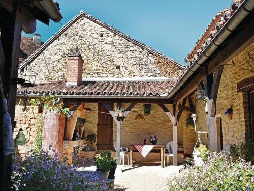Holiday Home St Pantaly D'Ans Dordogne : Guest accommodation near Saint-Martial-d'Albarède