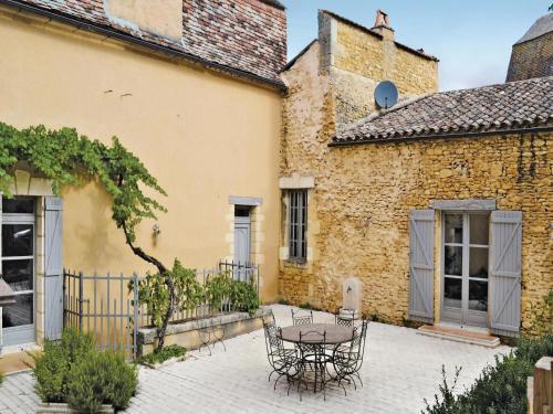 Holiday Home Sainte Alvere Rue De La Republic : Guest accommodation near Saint-Félix-de-Villadeix