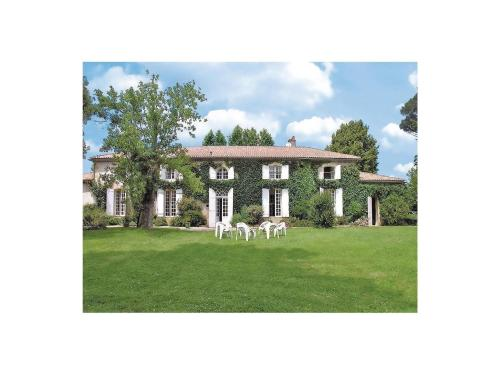 Holiday home Chemin Rue J-650 : Guest accommodation near Casteljaloux