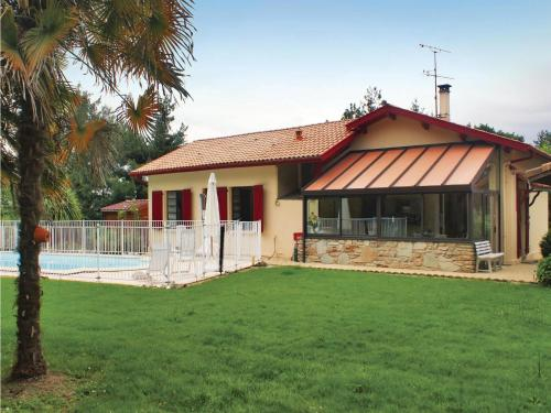 Holiday home Allee Peyris : Guest accommodation near Castaignos-Souslens