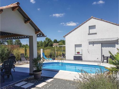 Holiday Home Le Pizou 02 : Guest accommodation near Saint-Christophe-de-Double