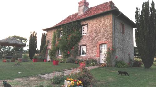 Gîte des Aulnaies : Guest accommodation near Castillon-en-Auge