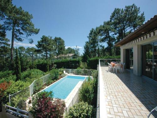 Holiday home Lacanau 21 : Guest accommodation near Saumos
