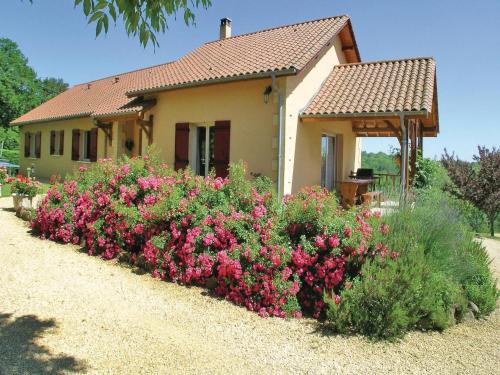 Holiday Home Rouffignac with Fireplace XIV : Guest accommodation near Fossemagne