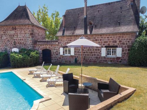 Six-Bedroom Holiday Home in Villac : Guest accommodation near La Chapelle-Saint-Jean