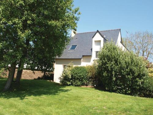 Holiday home Rue de Kervoalan : Guest accommodation near Louannec