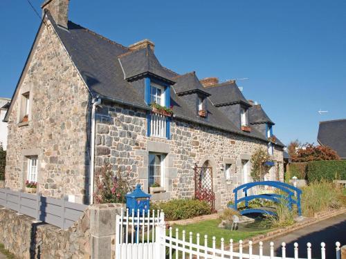 Holiday Home Langueux Rue De Faligot : Guest accommodation near Saint-Brieuc