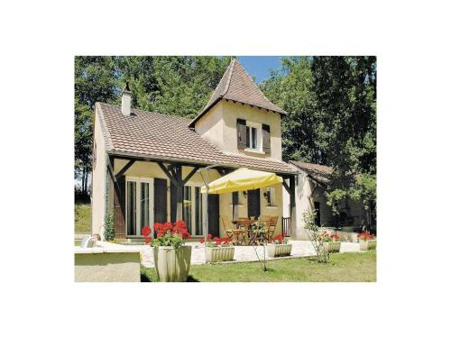 Holiday home Laubanie Est : Guest accommodation near Le Fleix
