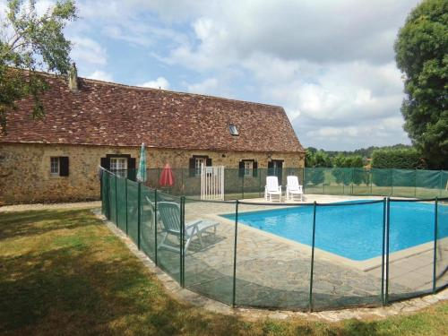 Holiday Home Eglise Neuve D'Issac Le Montreal Le Vieux : Guest accommodation near Bosset