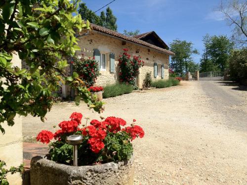 Le Gîte de Pouzatel : Guest accommodation near Soturac
