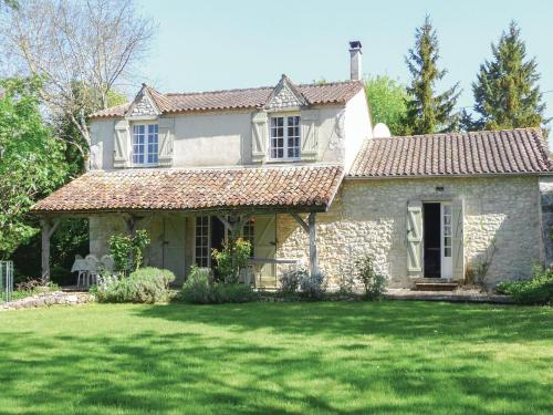 Holiday Home St Astier St Astier : Guest accommodation near Landerrouat