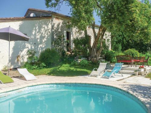 Holiday Home St Jean De Duras : Guest accommodation near Margueron
