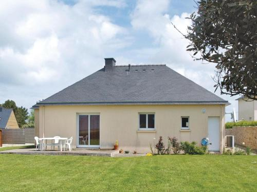 Holiday home Landeda UV-1612 : Guest accommodation near Saint-Pabu