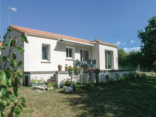 Two-Bedroom Holiday Home in St Michel Chef Chef : Guest accommodation near Saint-Michel-Chef-Chef