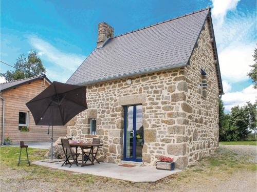 Holiday Home Villamee Le Champ Marie : Guest accommodation near Saint-Georges-de-Reintembault