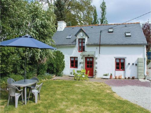 Two-Bedroom Holiday Home in Noyal-Pontivy : Guest accommodation near Cléguérec