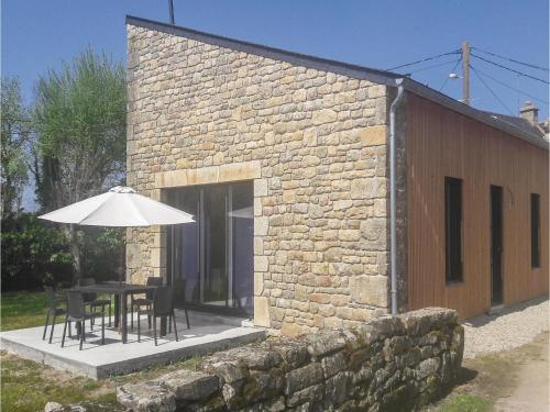 Three-Bedroom Holiday Home in Erdeven : Guest accommodation near Sainte-Hélène