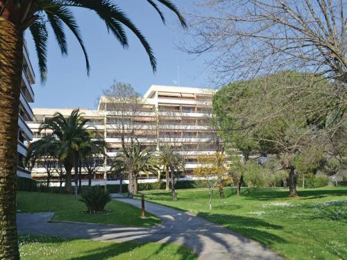 Apartment St Ouen la Rouerie L-720 : Apartment near Villeneuve-Loubet