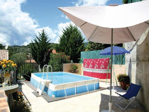 Apartment La Trinite 29 with Outdoor Swimmingpool : Apartment near Tourrette-Levens