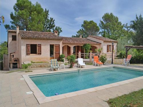 Holiday home St. Paul en Foret 40 with Outdoor Swimmingpool : Guest accommodation near Saint-Paul-en-Forêt