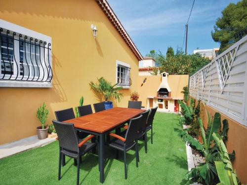Holiday home Sanary sur Mer MN-1447 : Guest accommodation near Ollioules