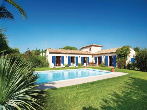 Holiday home Le Muy with Outdoor Swimming Pool 380 : Guest accommodation near Le Muy