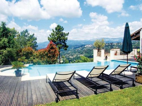 Four-Bedroom Holiday home Montauroux with a Fireplace 01 : Guest accommodation near Montauroux