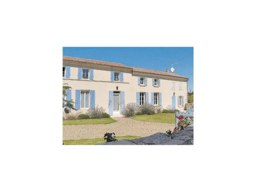 Holiday Home Romegoux Rue Des Tisserands : Guest accommodation near Sainte-Radegonde
