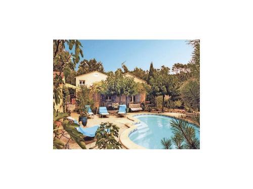 Holiday home Chemin de Cadéou : Guest accommodation near La Roquebrussanne