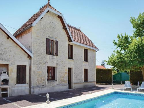 Holiday Home Migron Avenue De Saintonge : Guest accommodation near Beauvais-sur-Matha