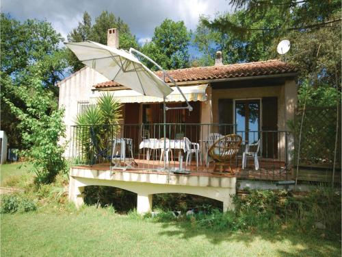 Three-Bedroom Holiday Home in Puget Ville : Guest accommodation near Garéoult