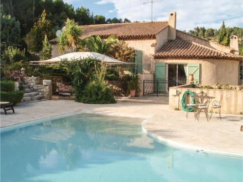 Three-Bedroom Holiday Home in Sollies Toucas : Guest accommodation near Solliès-Pont