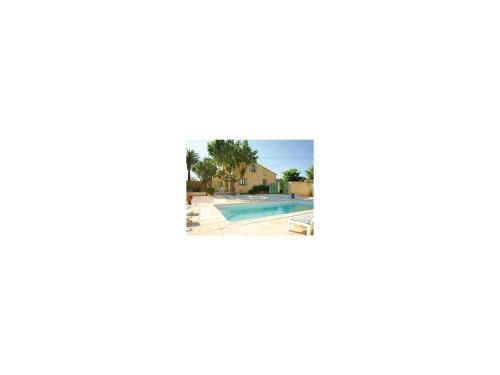 Four-Bedroom Holiday Home in Hyeres : Guest accommodation near La Crau