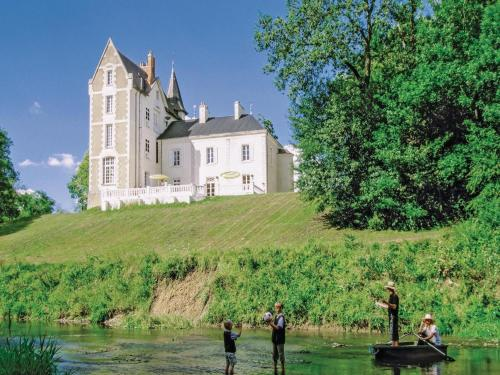 Holiday home Ardentes : Guest accommodation near Brives