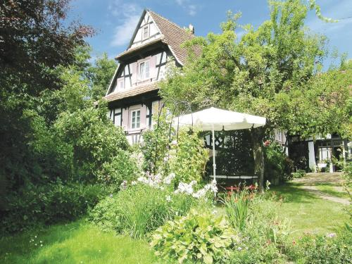 Holiday home Rue du Herrenberg : Guest accommodation near Merkwiller-Pechelbronn