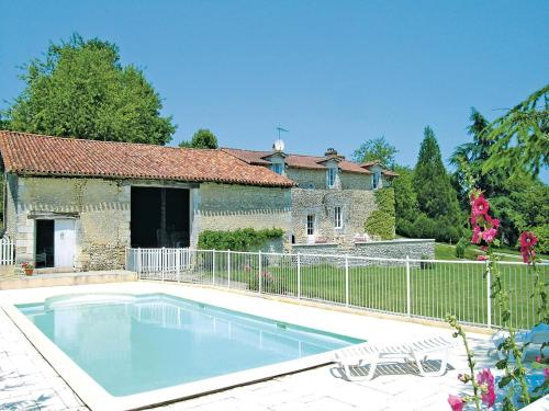 Holiday home Chez Lavis J-776 : Guest accommodation near Saint-Romain