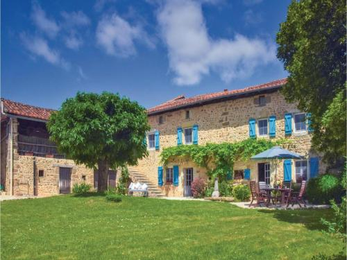 Holiday home Ferme De L'Alba M-770 : Guest accommodation near Beaulieu-sur-Sonnette