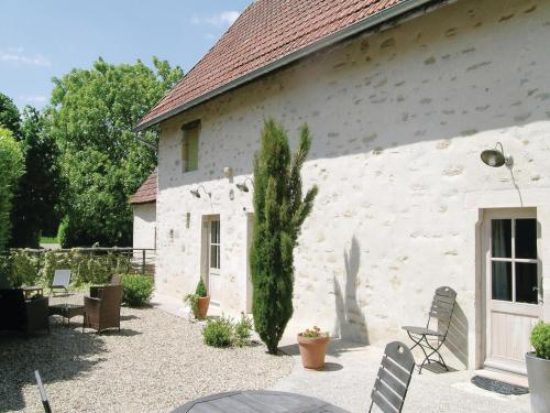 Holiday home RUFFEY LES BEAUNE QR-1406 : Guest accommodation near Écuelles