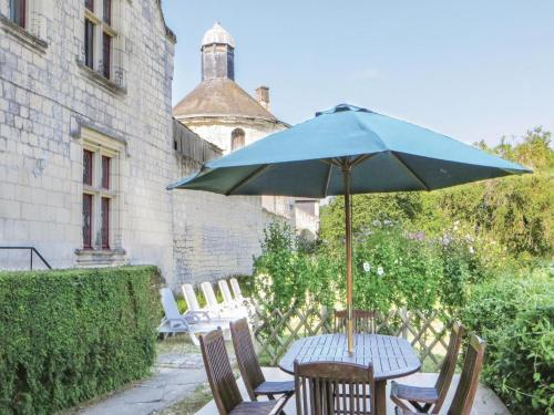 Holiday Home Chateau De La Vauguyon : Guest accommodation near La Roche-Clermault