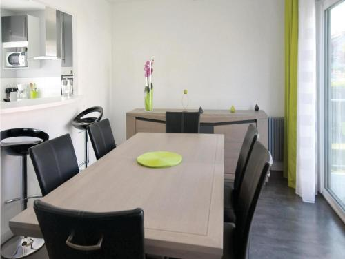 Holiday home Athis Mons QR-1393 : Guest accommodation near Ris-Orangis